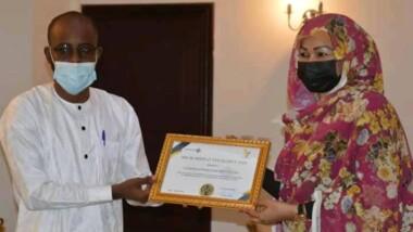 Tchad : Hinda Deby Itno reçoit le Prix de l'Excellence 2020 de Tchad'inter art
