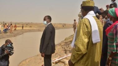 Tchad : le président Déby en visite dans le 9e arrondissement de N'Djamena