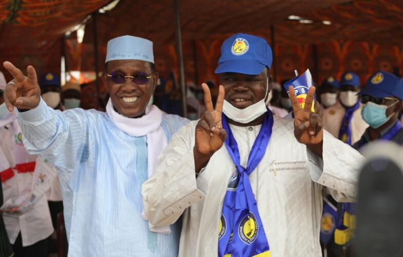 Idriss Deby et l'ex-général Ahmat Koussou se réconcilient à Mongo
