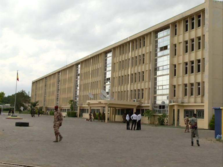 Tchad : le Ministère de la défense fait un don de masques aux élèves et étudiants