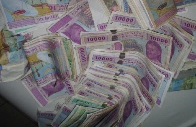 """Economie : """"Pour l'avenir du CFA, il revient aux décideurs politiques d'en décider"""", Abbas Mahamat Tolli"""