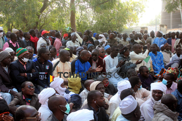 Tchad: le gouvernement promet payer le 13e mois avant décembre