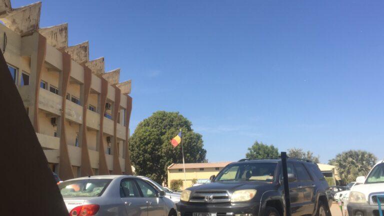 Tchad : le procureur requiert une peine de 15 jours de prison et 20 000 francs CFA d'amende contre Kemba Didah Alain