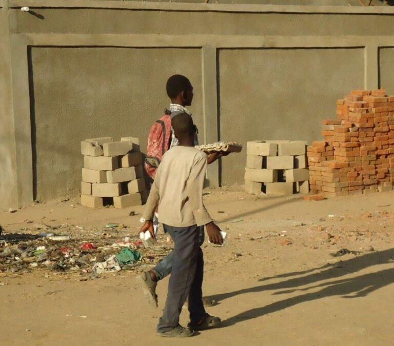 AUDIO. ″Echos de N'Djam #7″ : A N'Djaména pendant les vacances, les élèves se lancent dans des activités lucratives