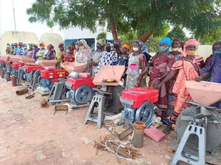 Province : Des matériels agricoles et des tricycles remis aux groupements féminins à Koumra