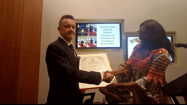 Hôtellerie : Hilton N'Djamena reçoit le trophée du « Best Luxury Riverside Hotel Africa 2018 »
