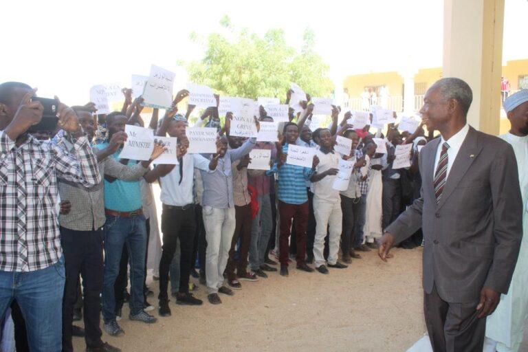 Tchad : les étudiants de l'INSTA accueillent le ministre Houdeingar avec un sit-in