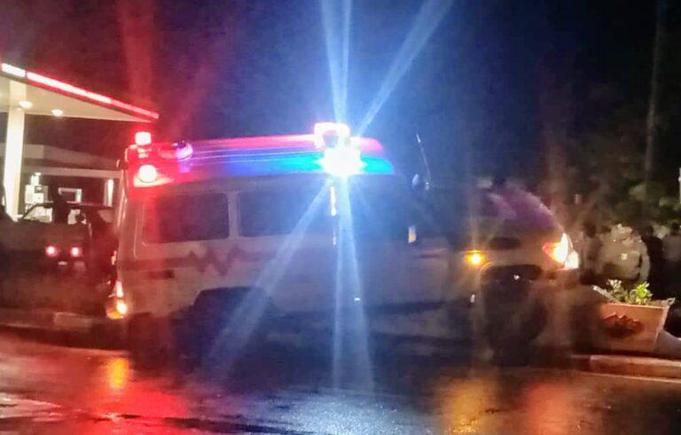 Faits divers : une ambulance s'est heurtée à un poteau électrique sur l'avenue Mobutu