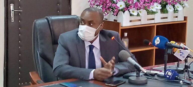 """Coronavirus : """"nous sommes encore loin de la fin de cette pandémie de la maladie à coronavirus"""", Pr Choua Ouchemi"""