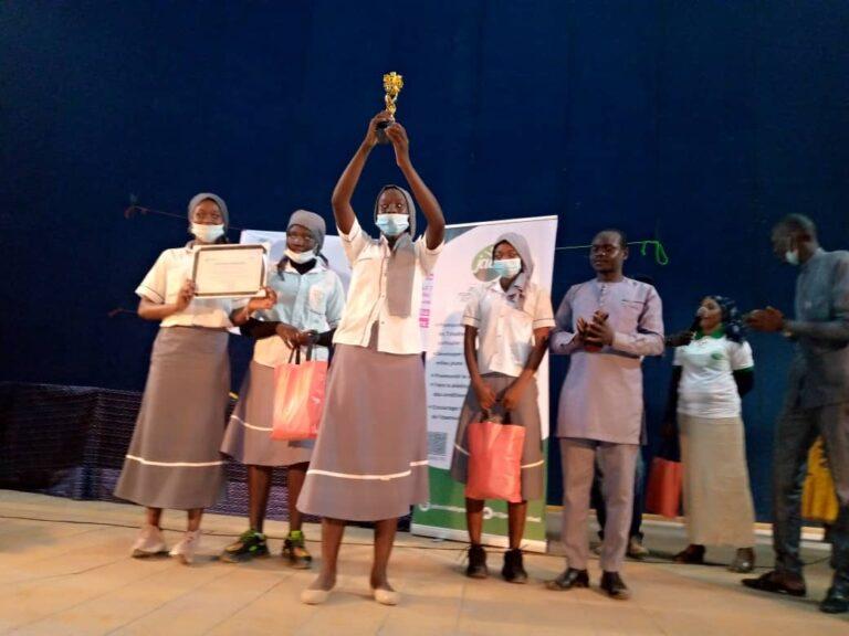 SENAFET : le lycée Assomption remporte le trophée du concours d'art oratoire lancé par la Jades
