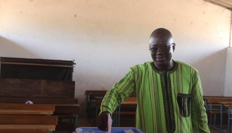 Présidentielle 2021 : le candidat Théophile Yombombé exprime des craintes