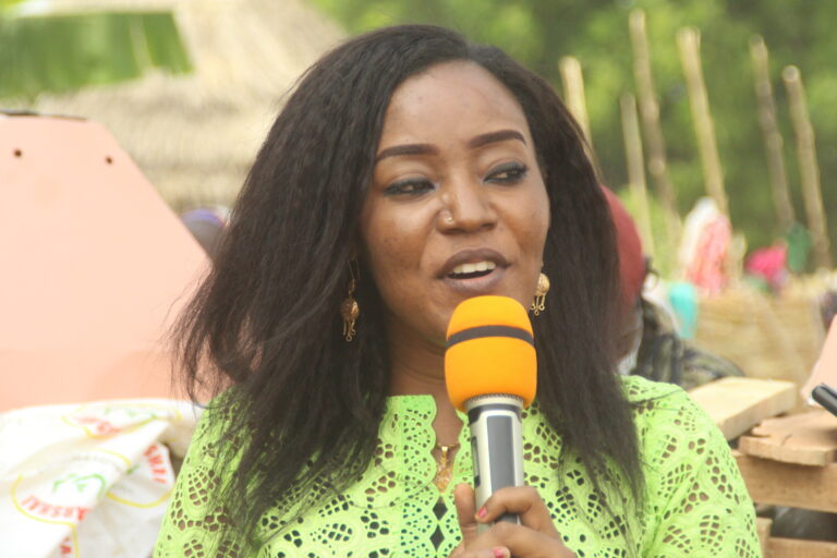 Tchad – Insolite : quand Amina Longoh commet plus de cinq fois la même erreur dans son discours à Am-Timan