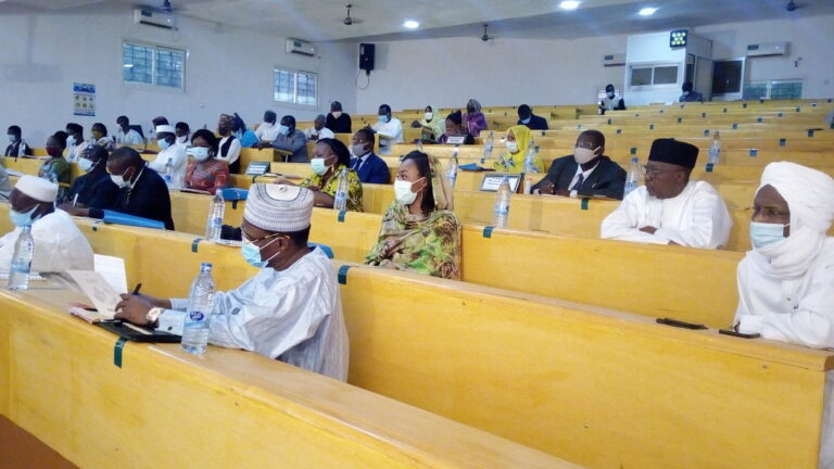 Tchad : les membres du gouvernement à l'école du savoir