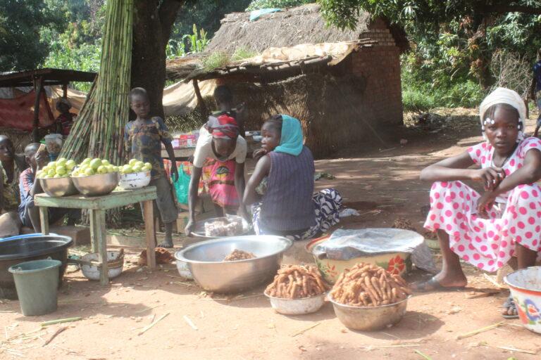 Tchad : à Doba, des filles priorisent le commerce que les études