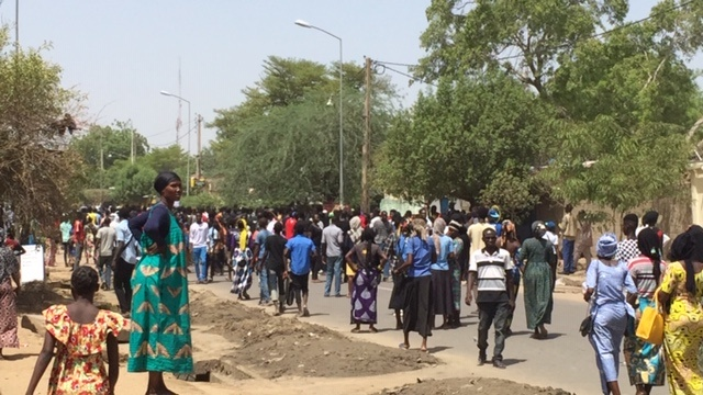 Inhumation de Mbaiguedem Richard : arrestations, saccages, tirs de gaz lacrymogène…