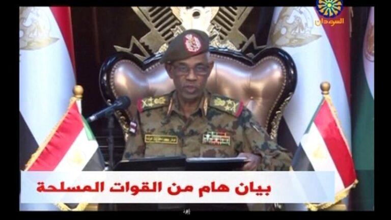 Soudan : le chef du conseil militaire de transition jette l'éponge