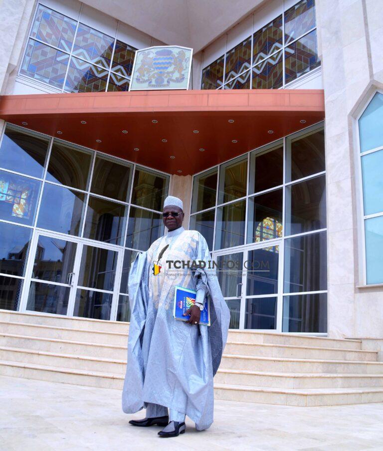 Tchad: voici le décret qui réhabilite Kalzeube à son poste