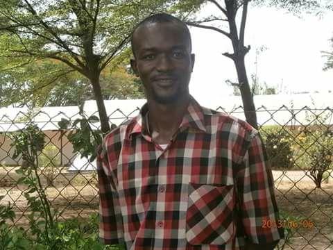 Entrepreunariat : Diplômé de santé, sans emploi, il se lance dans une œuvre communautaire