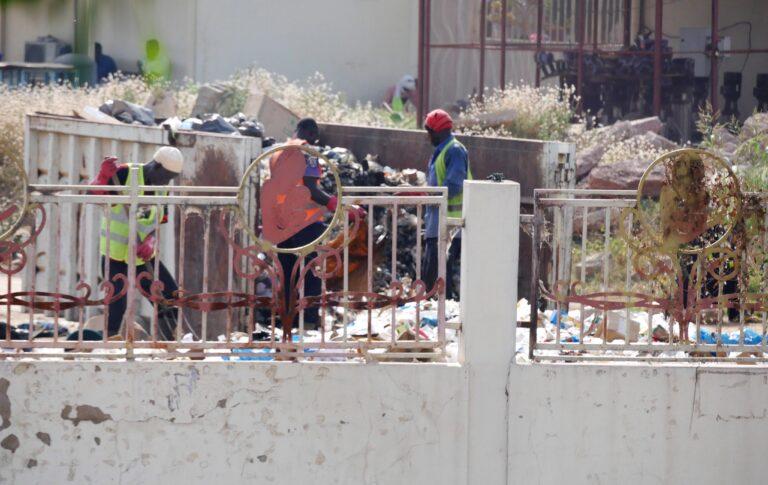 Tchad : le CHU de la Mère et de l'Enfant commence à évacuer ses tas d'ordures