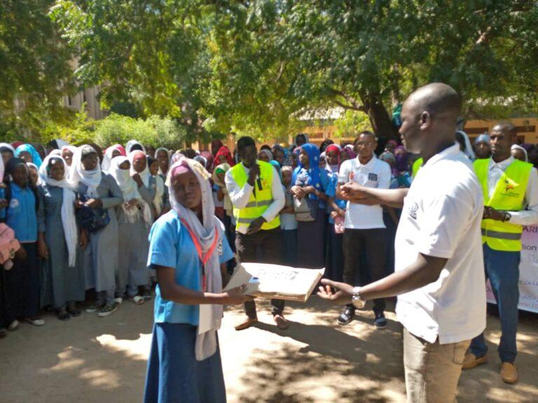 Tchad : l'ONG 100 Million campagne sensibilise les lycéennes sur la maltraitance des enfants