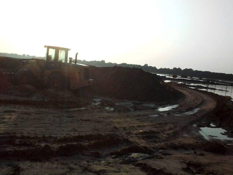 Tchad : les pluies diluviennes de ces derniers jours rendent difficile le travail de construction du pont Chari