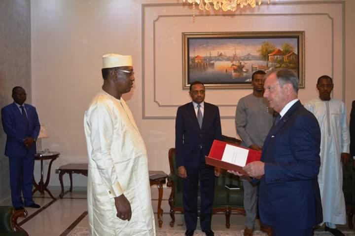 Tchad/France : le nouvel ambassadeur présente ses lettres de créances au président Déby