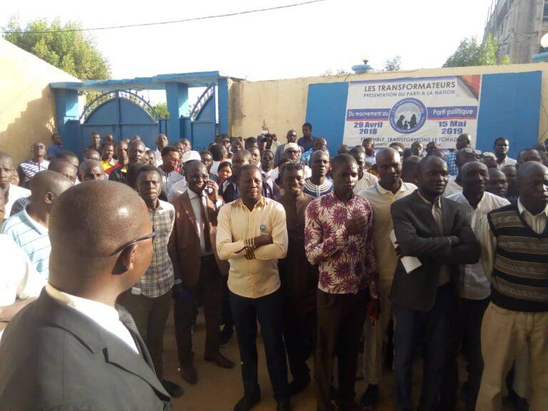 """Tchad: une dizaine de pick-up militaires devant le siège des """"Transformateurs"""""""