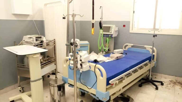 """Tchad : l'ordre des médecins qualifie de """"responsable"""" la décision de suspendre l'ouverture des établissements sanitaires"""