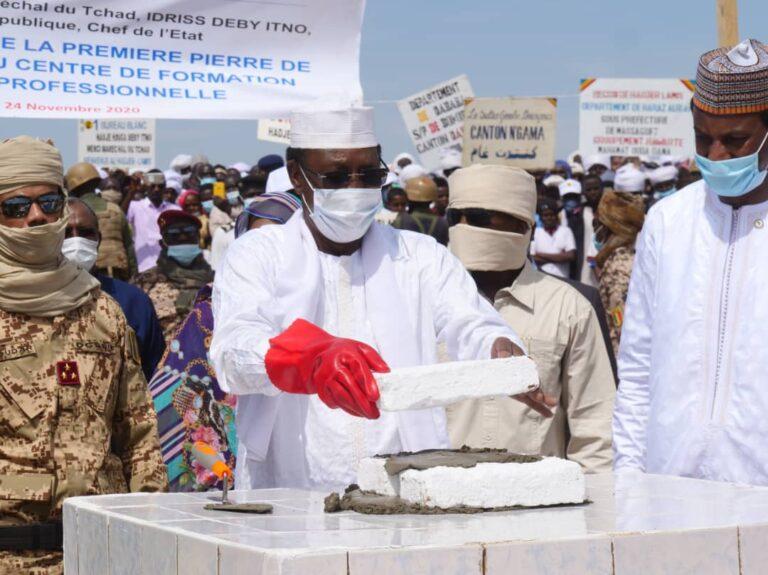 Tchad : le président Idriss Deby pose la première pierre de  construction d'un centre de formation technique et professionnelle à Massakory