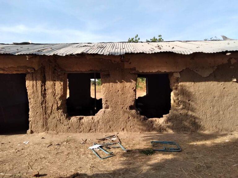 Tchad : A la Loumia, les élèves étudient dans des salles qui menacent de céder