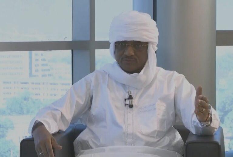 """Onama: """"il y a des éléments que vous mettez dans votre journal mais qui ne sont pas de l'information"""", Chérif Mahamat Zène"""