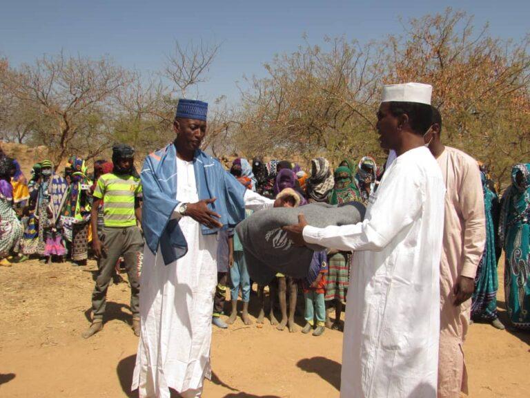 Guéra: remise des kits aux retournés peuls de la RCA et à la population hôte de Niergui