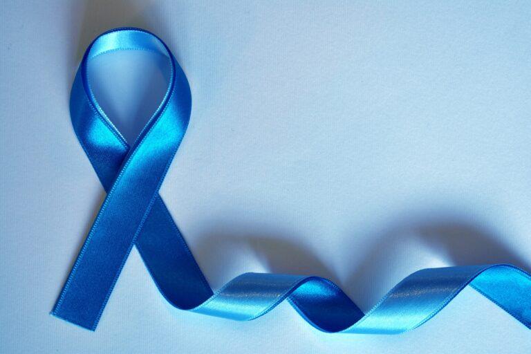 """""""Novembre bleu"""" pour sensibiliser contre le cancer de la prostate"""
