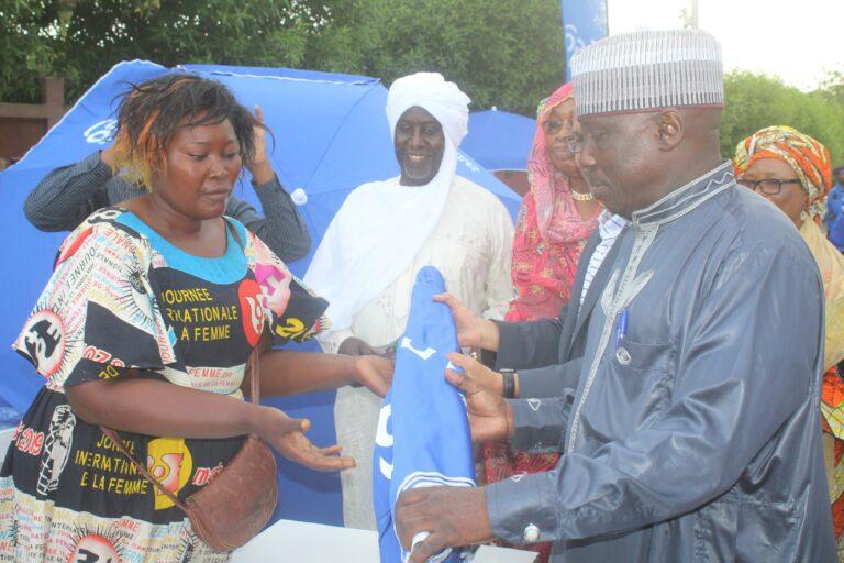 Tchad : tables, bancs, parasoleil offerts aux femmes commerçantes
