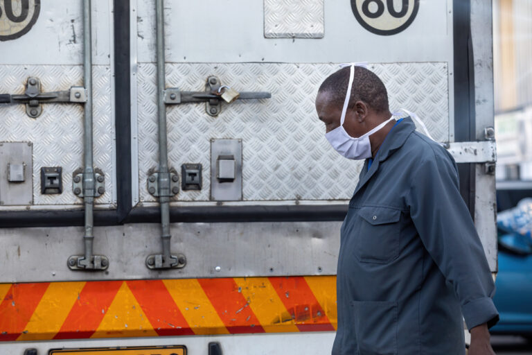 """La lutte de l'Afrique contre le COVID-19 est """"loin d'être terminée"""", selon l'Union Africaine"""