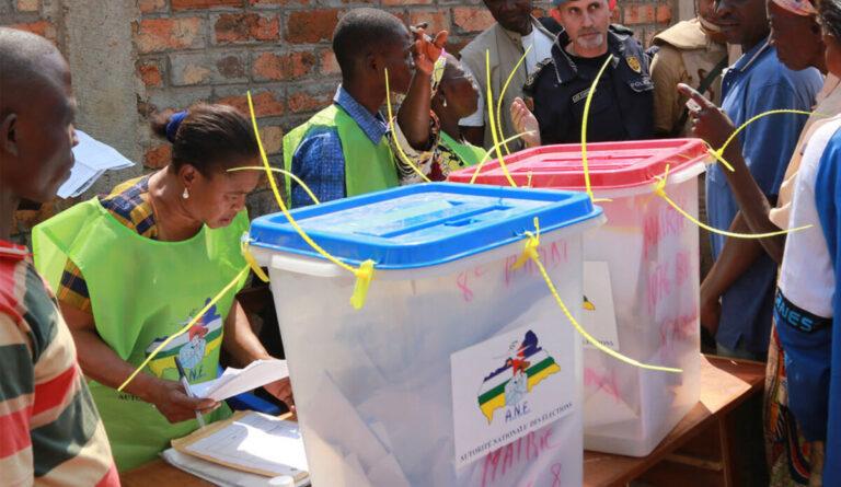 أفريقيا الوسطى: الناخبون يذهبون إلى صناديق الإقتراع في ظل توتر شديد