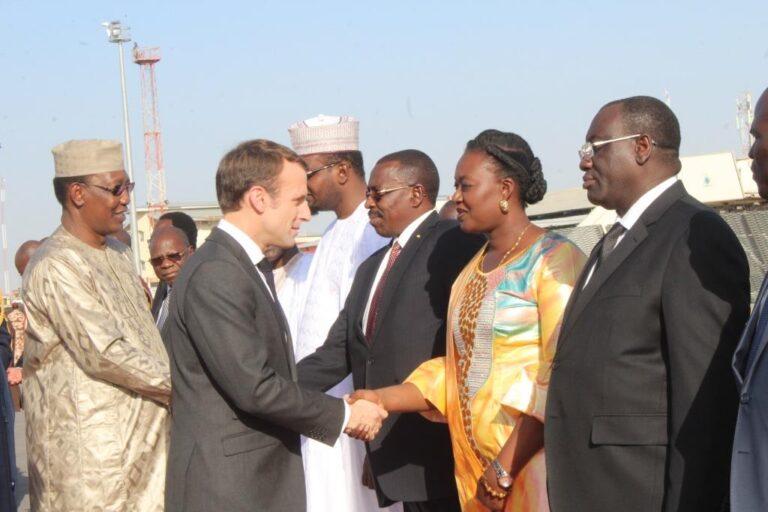 Diplomatie : Macron à la rencontre des femmes du Tchad