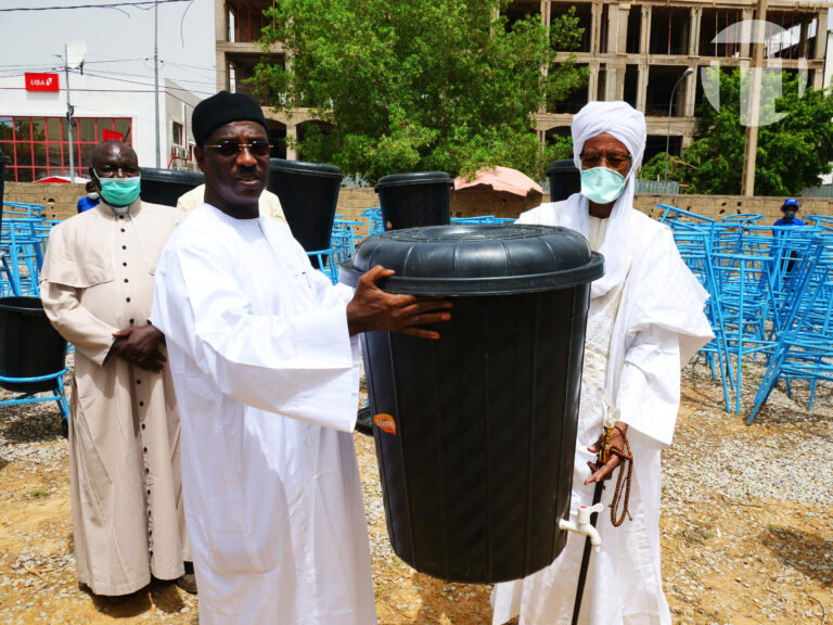 Coronavirus : la mairie de N'Djamena fait un don de matériels aux confessions religieuses