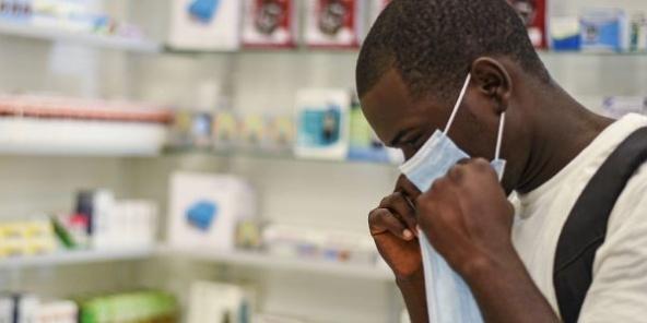 Coronavirus : l'OMS rappelle les cinq mesures fondamentales à appliquer  pour éviter la COVID-19