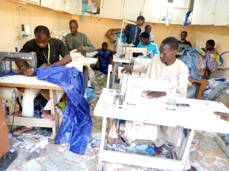 Fête de Ramadan : les tailleurs sous pression