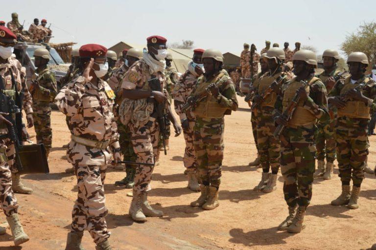 G5 Sahel : Mahamat Idriss Deby réconforte le contingent tchadien à Tera au Niger