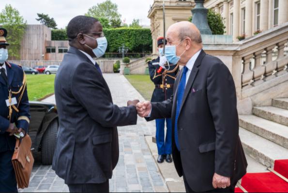 Tchad : le Premier ministre de transition et le ministre des Affaires étrangères de la France s'entretiennent sur la transition