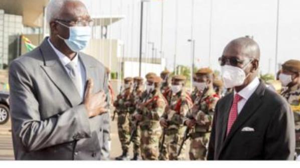 Mali : les militaires arrêtent le président et le Premier ministre de transition
