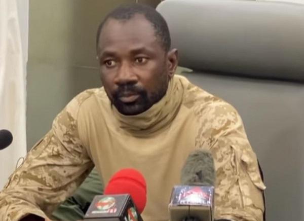 Mali : l'homme fort du pouvoir dit avoir déchargé de leurs prérogatives les dirigeants de transition