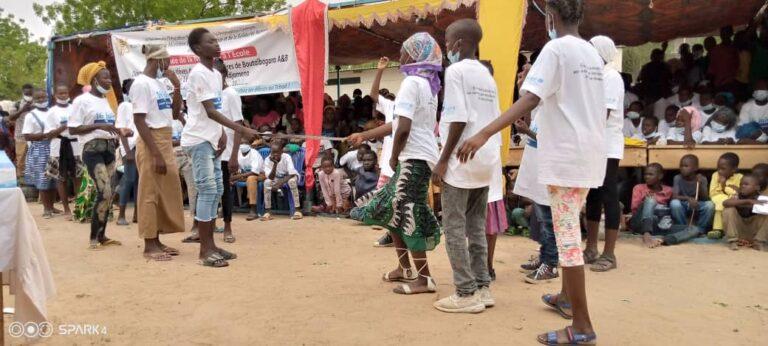 Journée de l'enfant africain :  déparasitage des élèves dans le 7e arrondissement de N'Djaména
