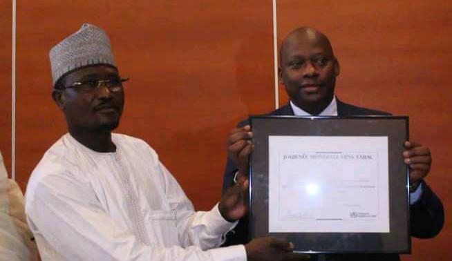 Tchad : l'OMS décerne un prix antitabac au ministère de la Santé