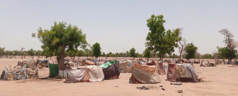 """Les sinistrés de Toukra traités de """" paresseux"""" et sommés de quitter leur site d'accueil"""