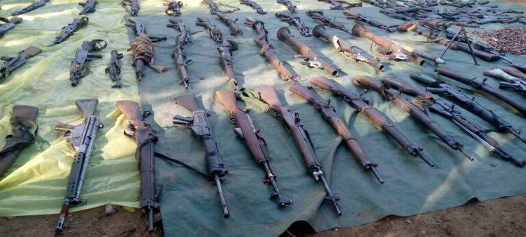 Salamat : plusieurs armes récupérées aux mains des protagonistes