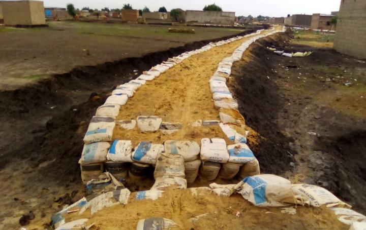 Prévention des inondations : en dépit des difficultés, les habitants du 7e arrondissement de N'Djamena s'organisent