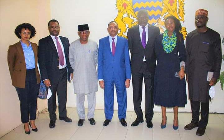Transition au Tchad : le commissaire à la Paix et Sécurité de l'UA reçu par le ministre des Affaires étrangères